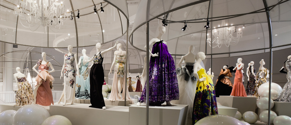V&A Fashion Exhibition (Knightsbridge)