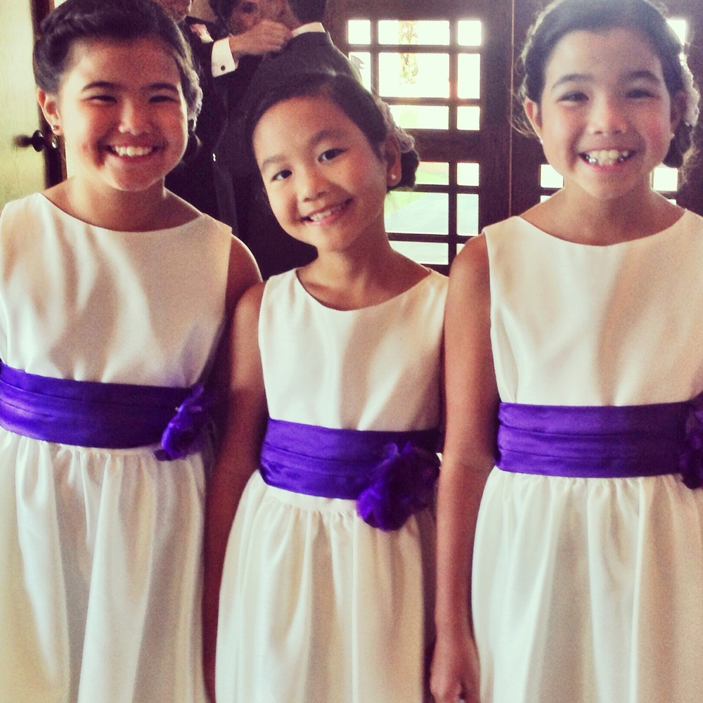 mike-ashley-saint-theresa-oahu-wedding-flowergirls