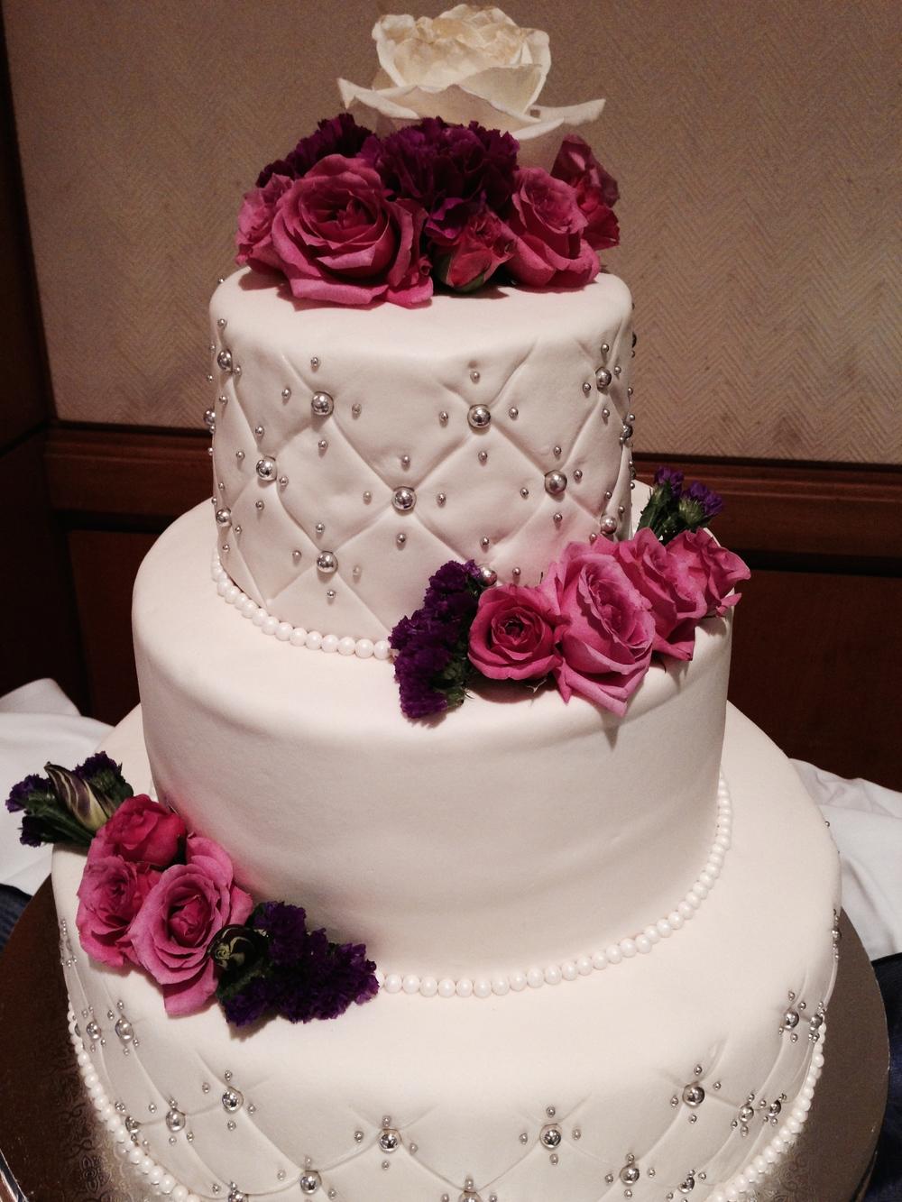 mike-ashley-wedding-cake