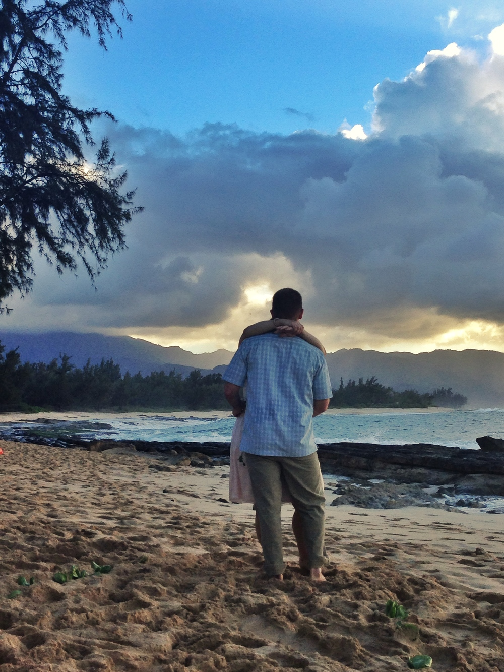 hawaii-beach-north-shore-wedding-dance