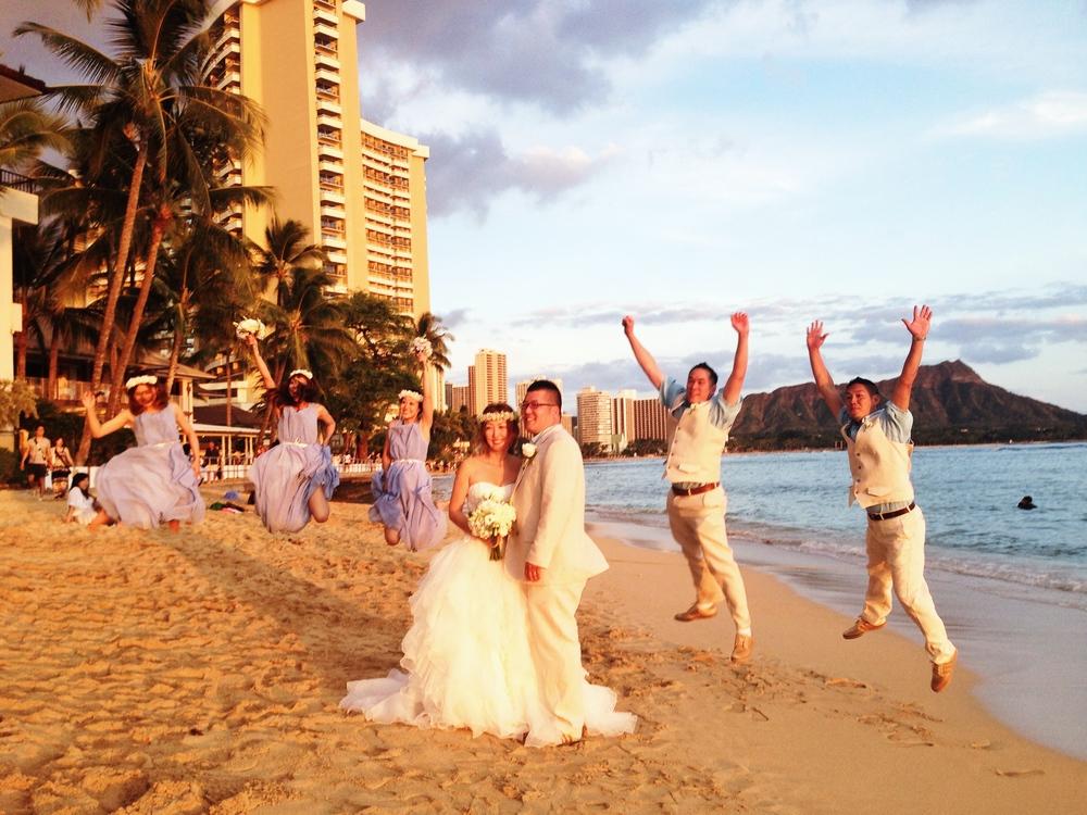 hawaii-beach-wedding-sunset