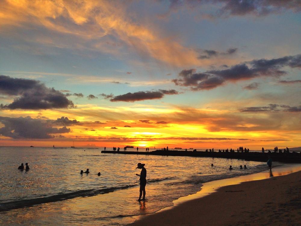 hawaii-beach-sunset-waikiki