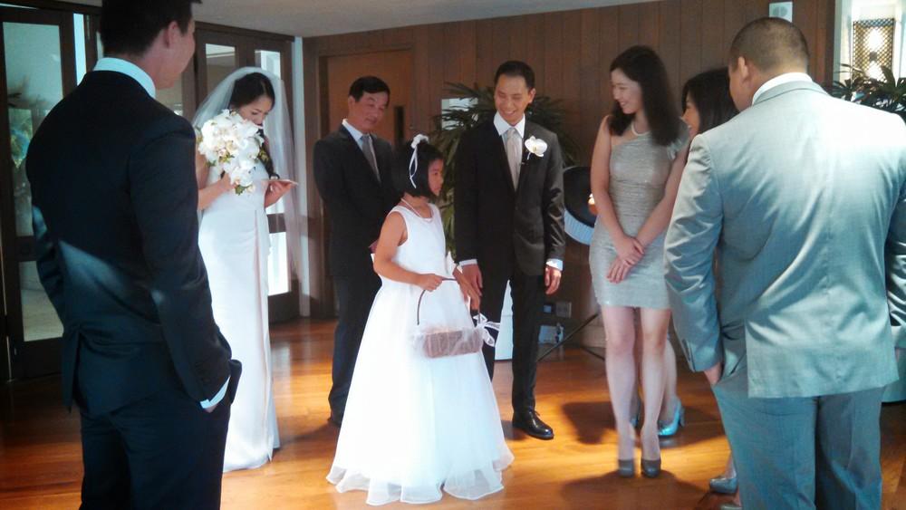 4-flower-girl-hawaii-wedding.jpg