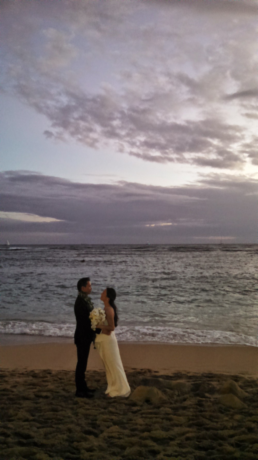 18-waikiki-sunset-wedding.jpg