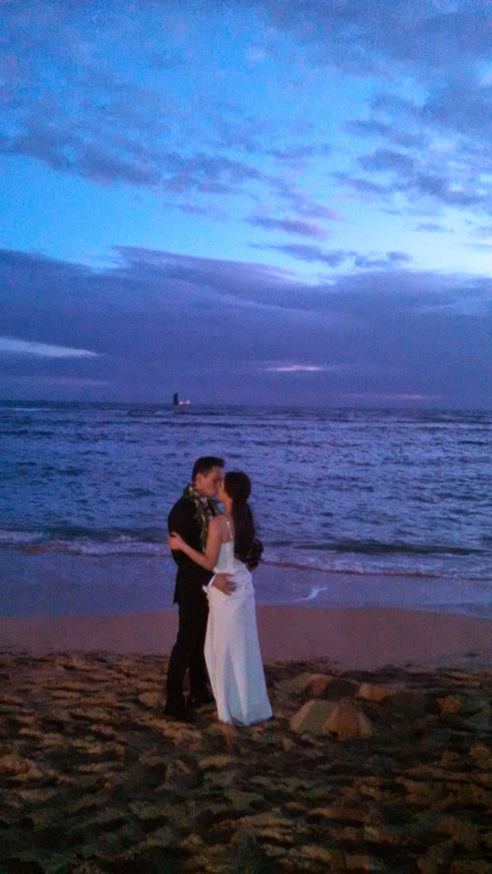 22-waikiki-sunset-wedding.jpg