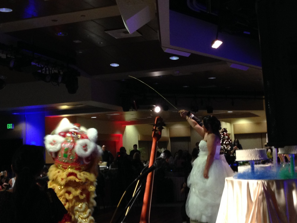 28-hawaii-lion-dance-wedding.JPG