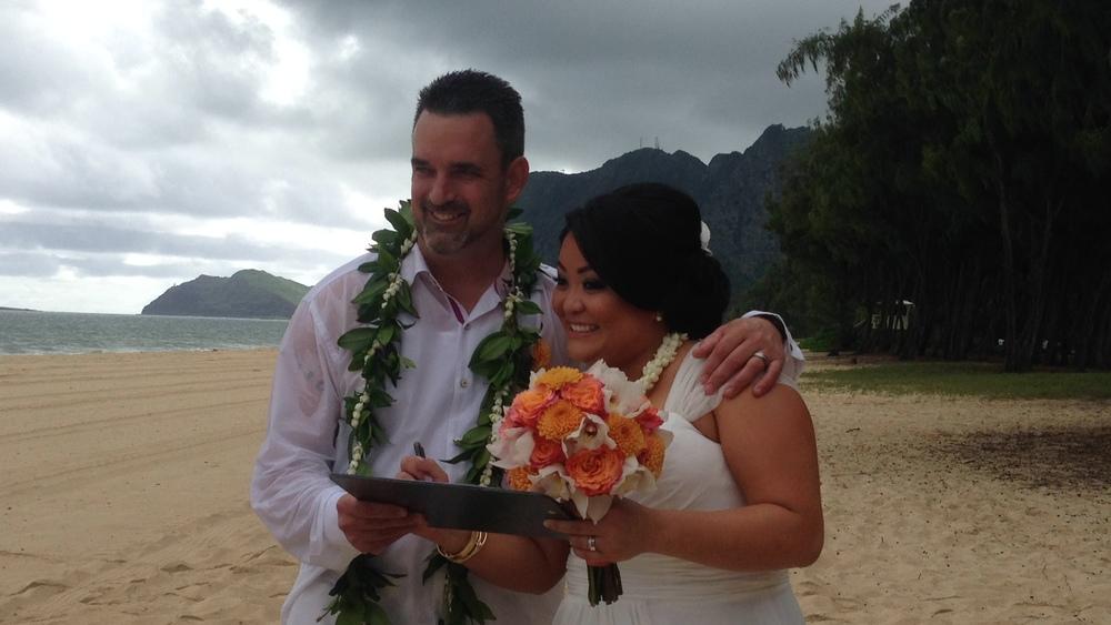 8-oahu-beach-wedding.JPG