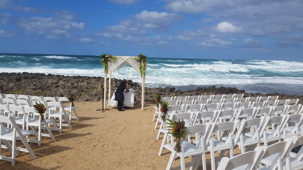 turtle-bay-resort-outdoor- ceremony