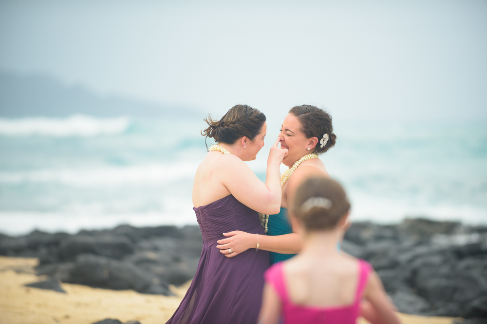 33-rainy-oahu-hawaii-wedding.jpg