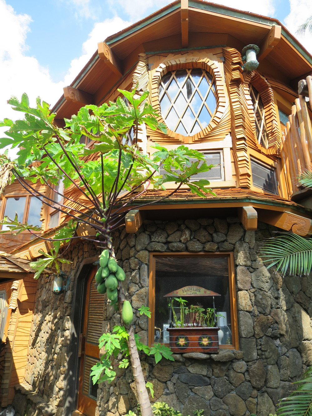 hobbit house hawaii