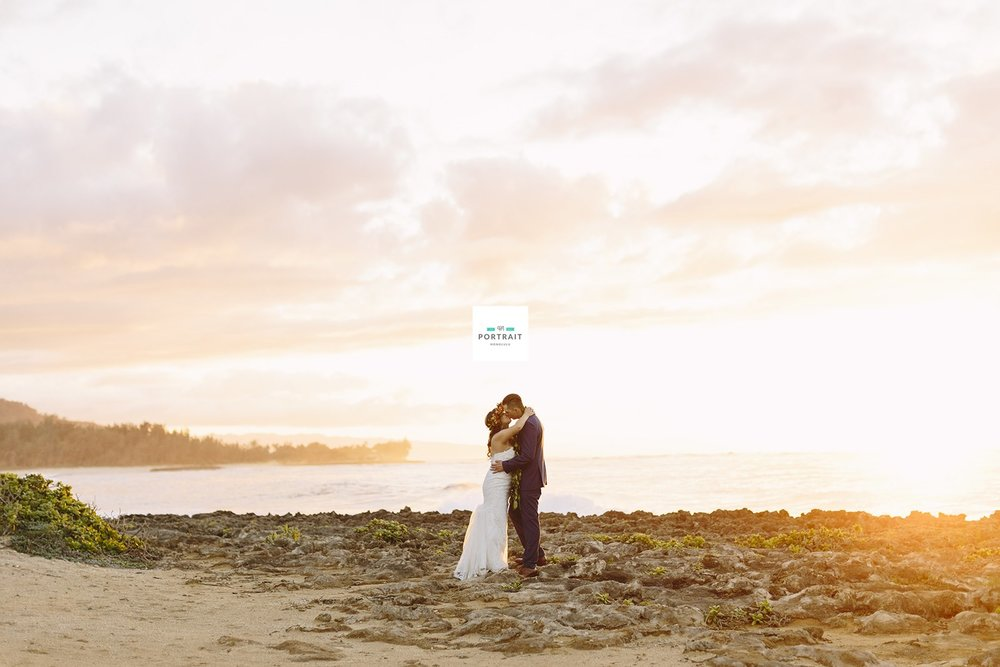 115-hawaii-sunset-wedding.jpg