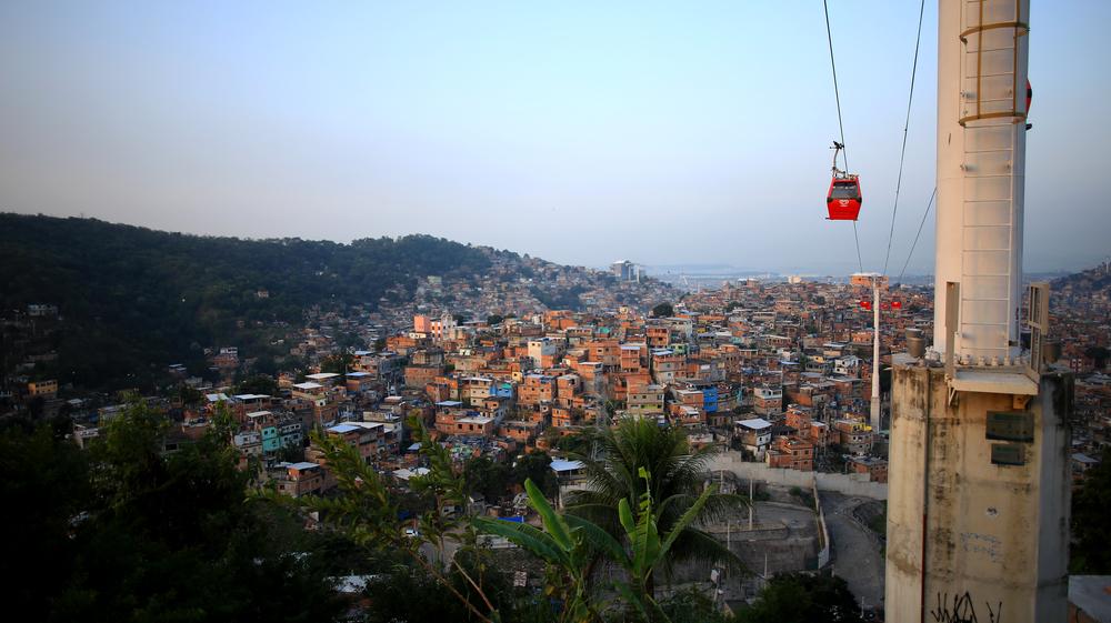 FavelaCar.jpg