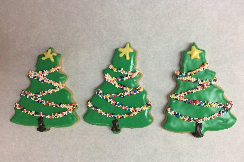 Christmas - Christmas Tree Trio.jpg