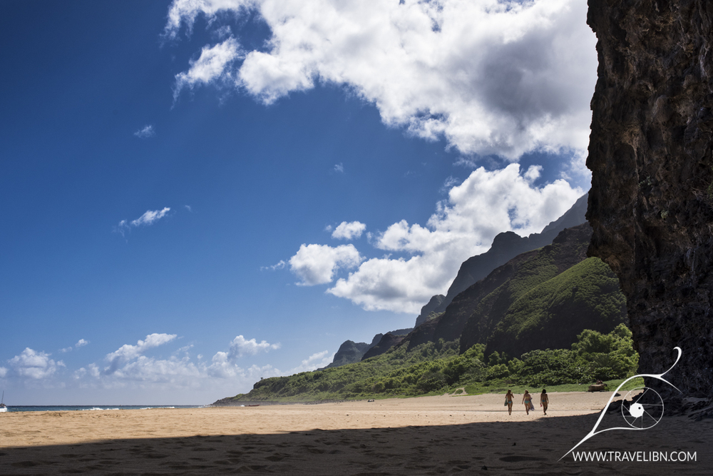 Cliffs Kalalau Beach