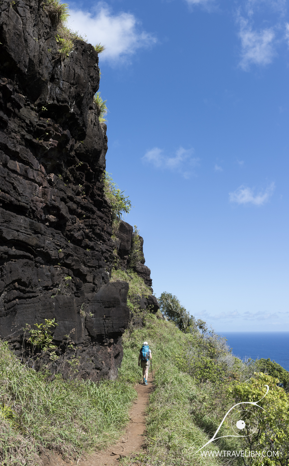 rock formations kalalau trail.jpg