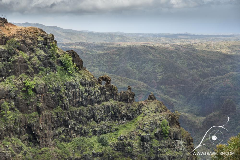 natural arch waimea canyon.jpg