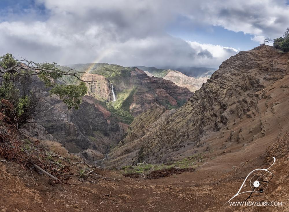 waimea canyon waipoo falls.jpg