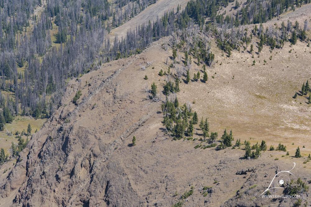 Lava Dikes on Avalanche Peak