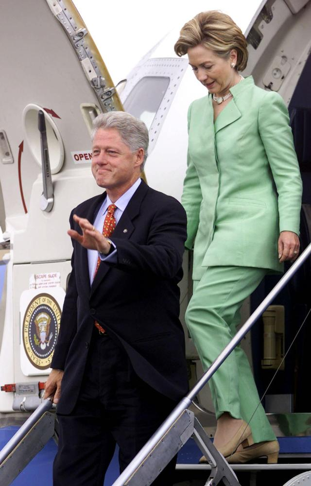 9. 2009- Miss Mint       Clinton stepping off of Air Force 1 in New York City with Bill.
