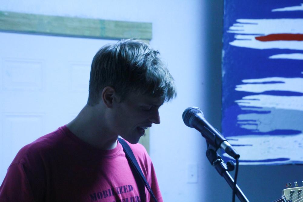 Singer/guitarist Ben Hirsch.