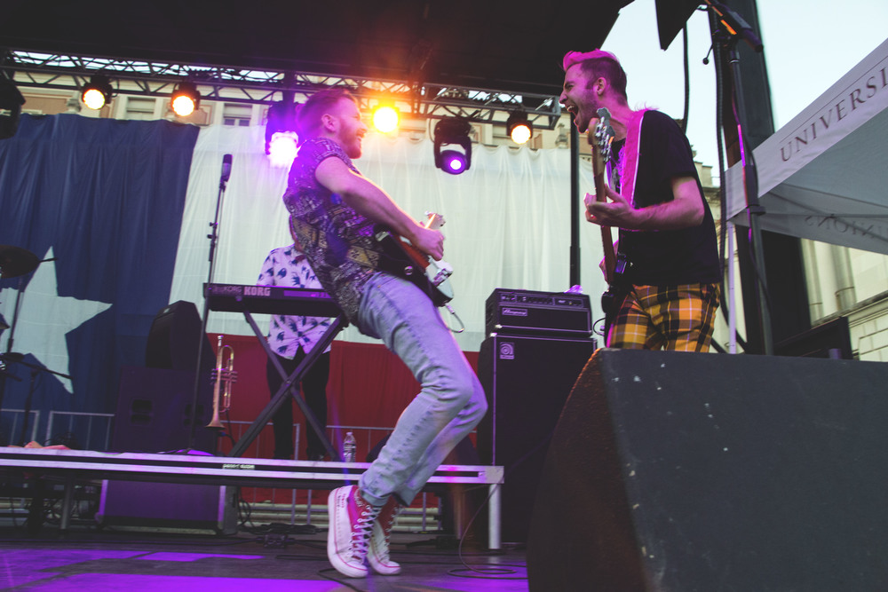 Misterwives performs at Forty Acres Fest.