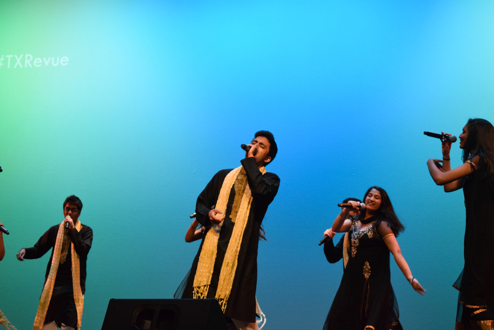 Hum A Cappella performed an a cappella number of traditional South Asian music.