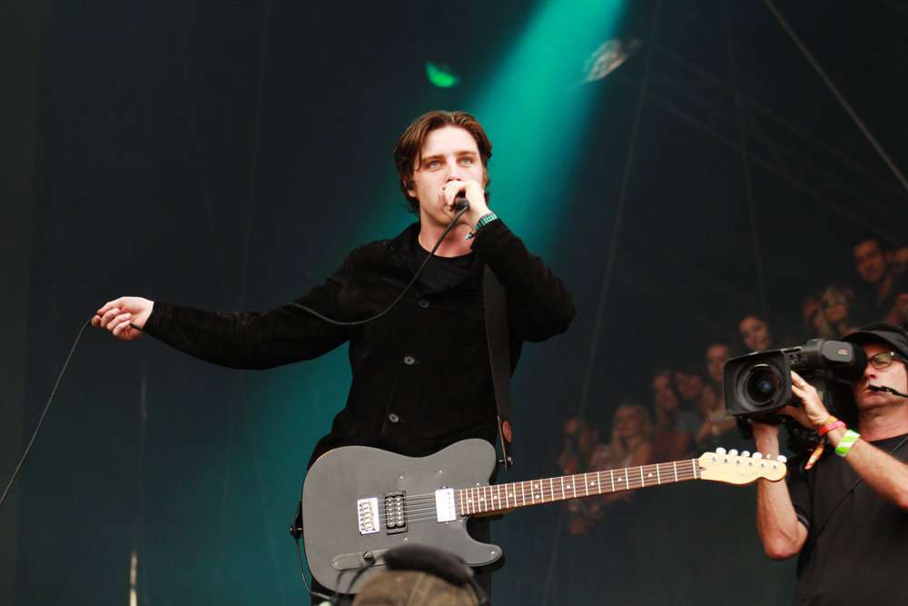 The UK band Catfish and the Bottlemen speak to the crowd.