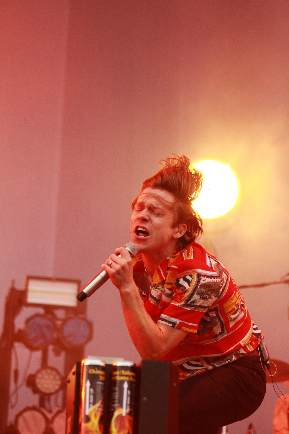 Frontman for the band, Cage the Elephant, belts out the lyrics.
