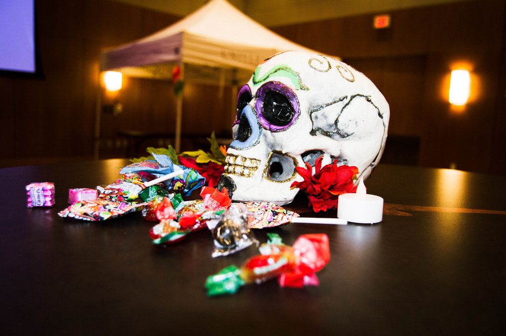 Campus Events + Entertainment Mexican American Culture Committee (MACC) celebrated Día de los Muertos at the SAC Ballroom with DIY activities and tamales.