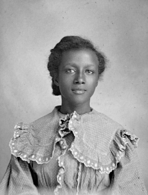 Young African-American woman photographed by Hugh Mangum in the early 1900s.