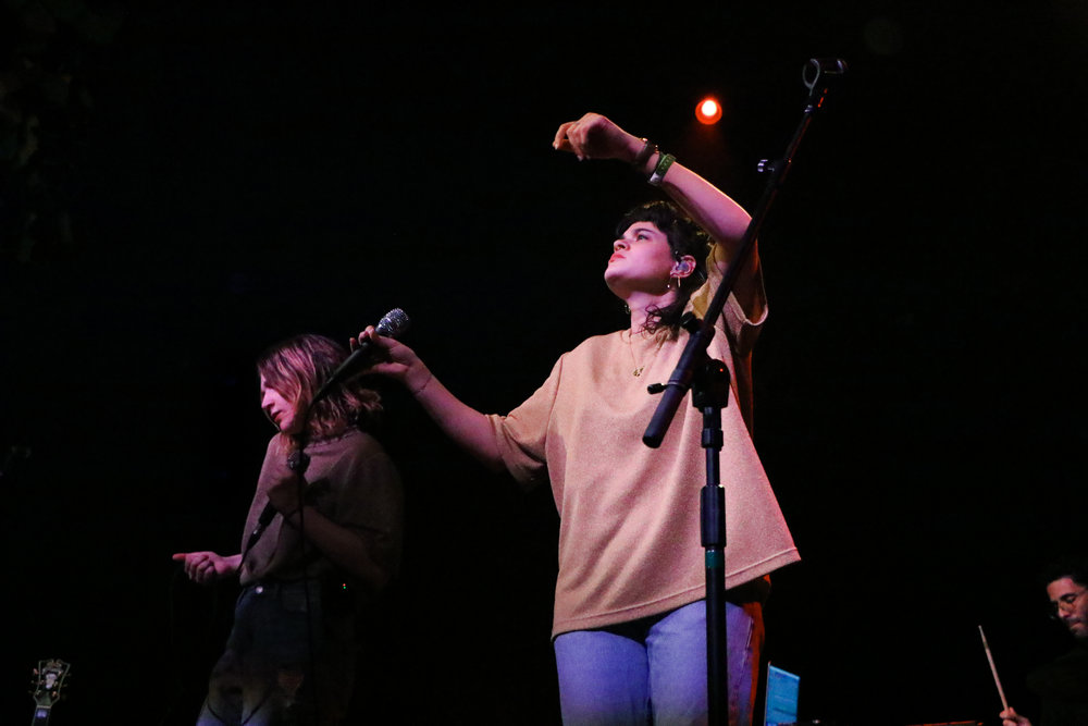 Elion and Mitchell encouraged Emos' crowd to dance along with them.
