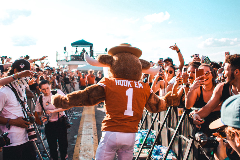 Hook 'Em came out during a show to surprise fans in the crowd.