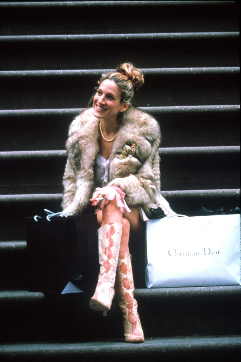 - A shoe lover, Carrie always had on expensive designer kicks. In one episode, she said that she spent over $40,000 on shoes. Commitment at its finest.