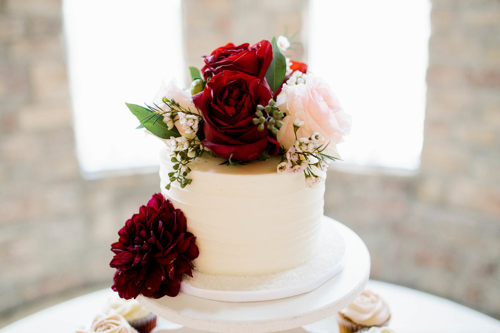 Wedding Cake at the Ashley Castle- Arizona Wedding Photographer