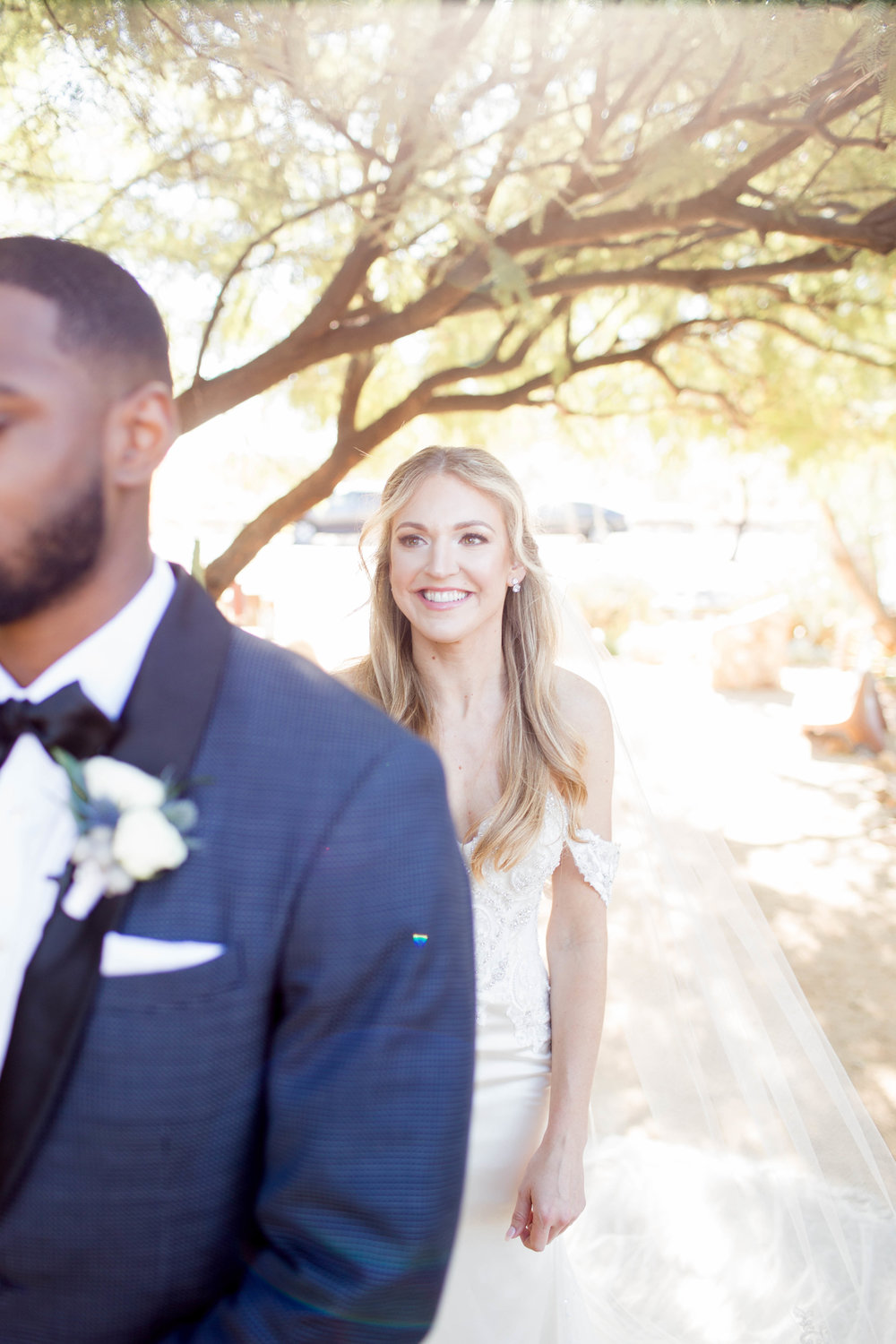 First Look at Mayo Clinic Nature Walk- Arizona Wedding Photography