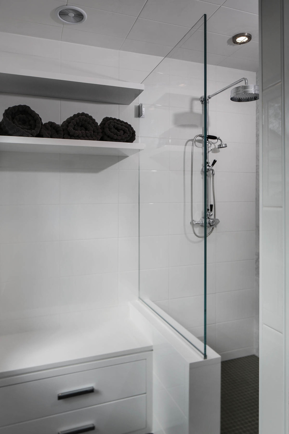9-Mudroom Shower.jpg