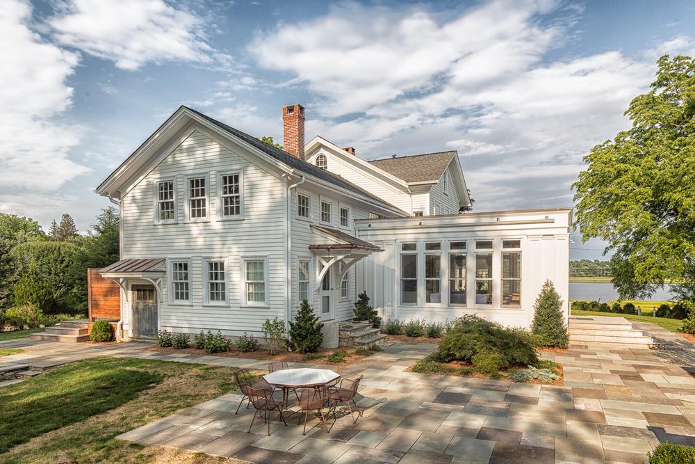 Best Residential Remodel $500,000-$750,000 - HOBI 2014  (Barry  Hyman-Granite Studios).jpg