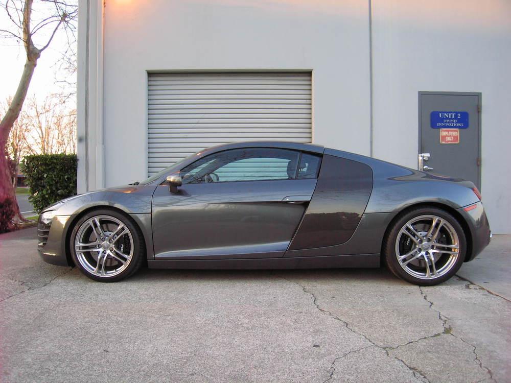 Audi R8 w/Carbon Fiber Panels