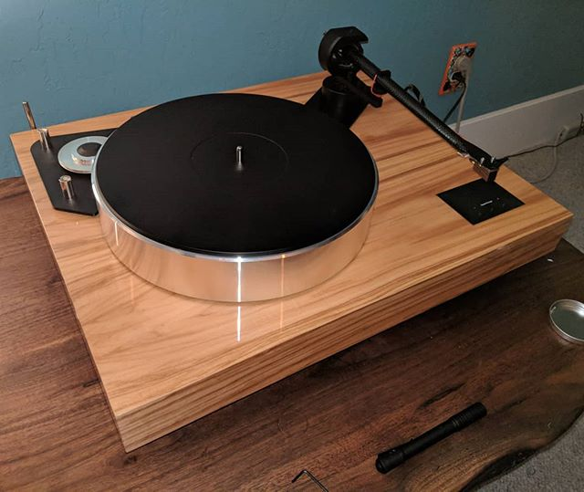 Sitting pretty.  Project Xtension 12 with Palo Santos cartridge.  Exceptional turntable with very little fuss.  @projectaudiosystems #audiophile