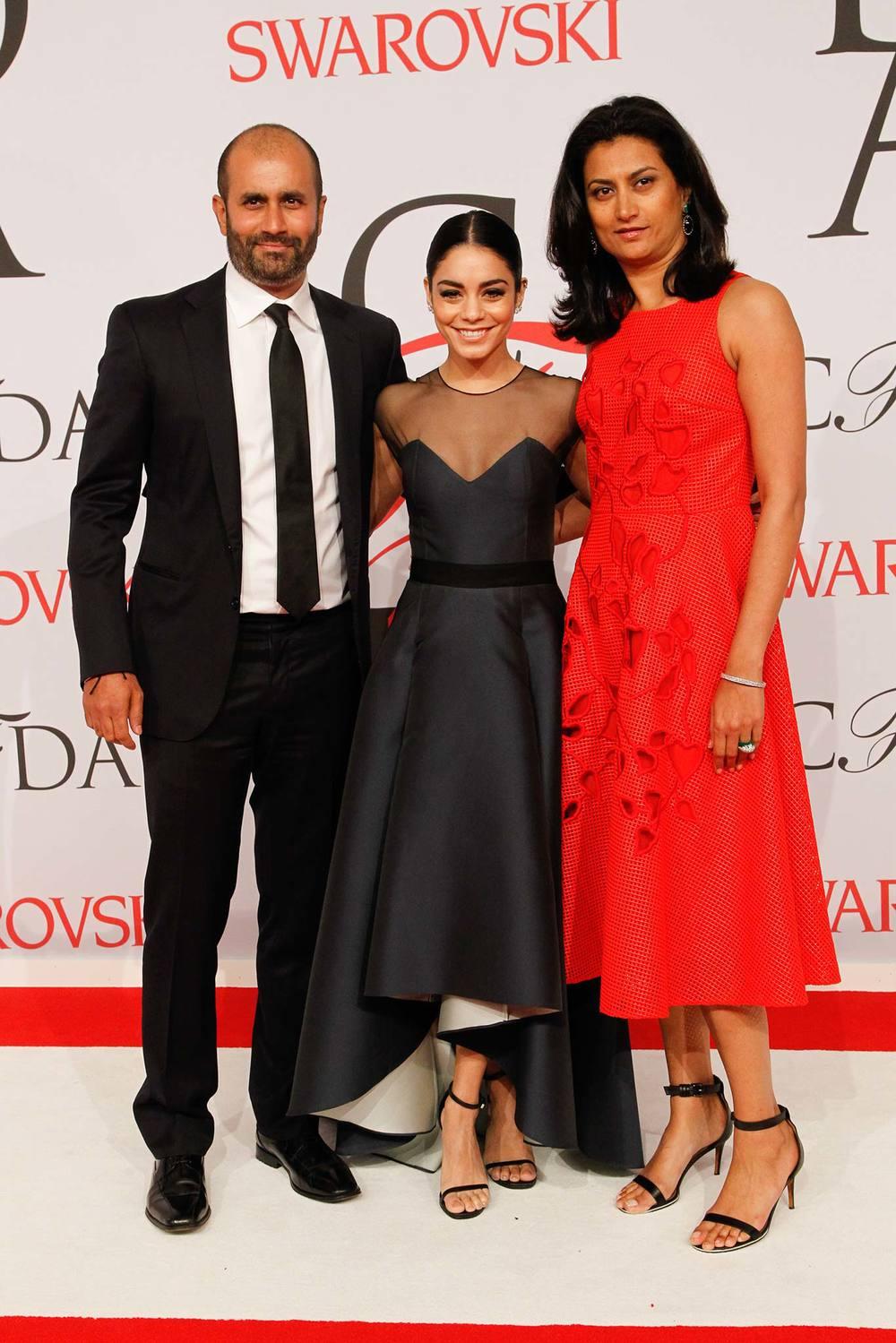 06-02-2015Vanessa Hudgens with Sachin & Babi Ahluwaliaat the 2015 CFDA Awards