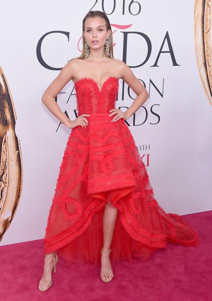 Model Josephine Skriver at the 2016 CFDA Awards