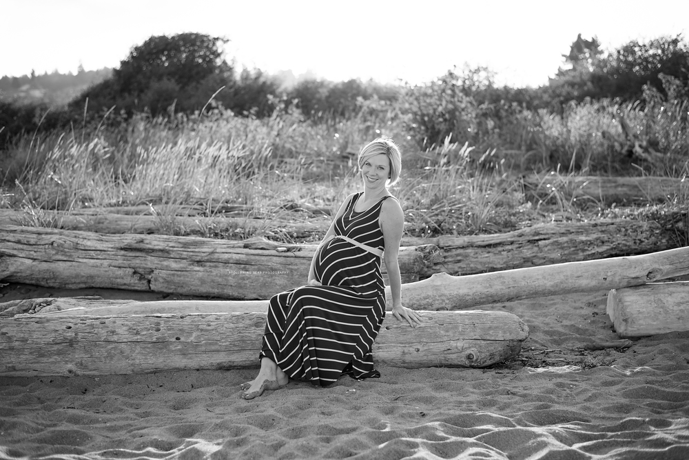 Silverdale-Maternity-Photographer-Following-Seas-Photography-3193BW.jpg