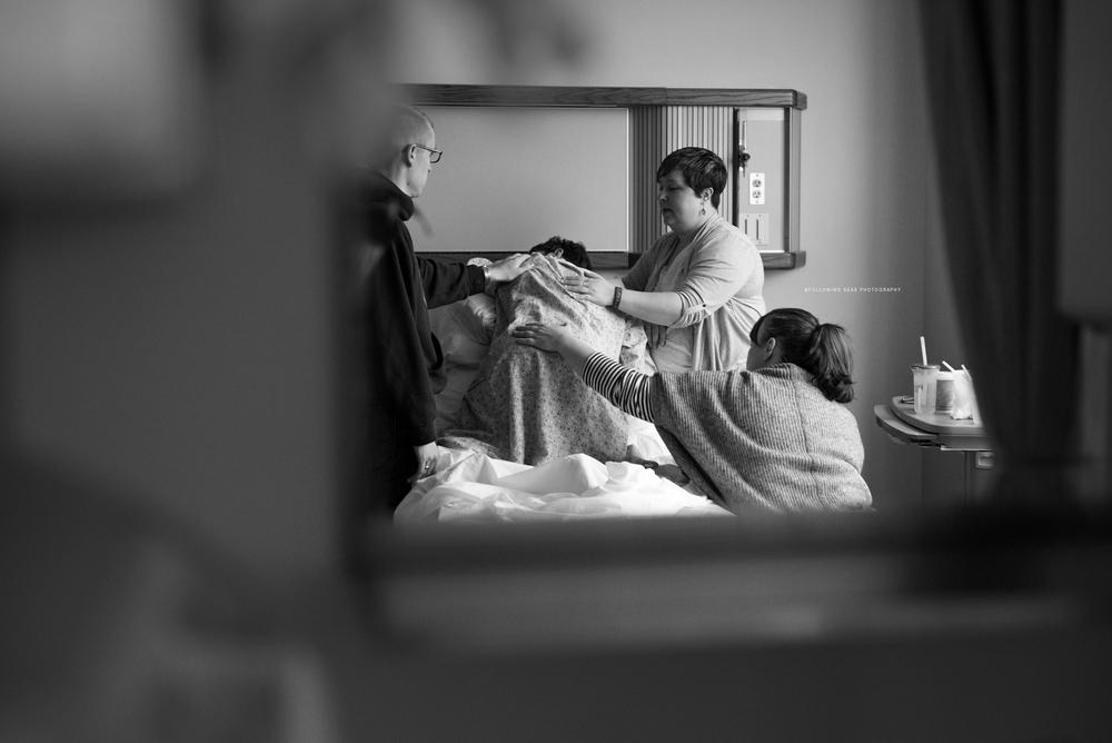 Bremerton-Birth-Photographer-Following-Seas-Photography-6717BW.jpg