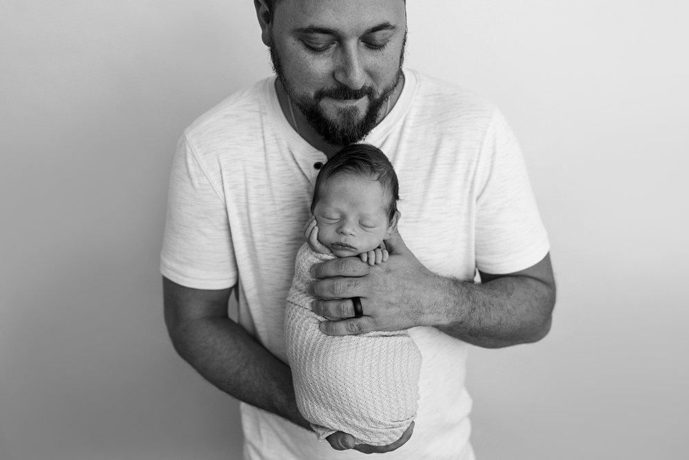 Charleston-Newborn-Photographer-FSP_1897BW copy.jpg