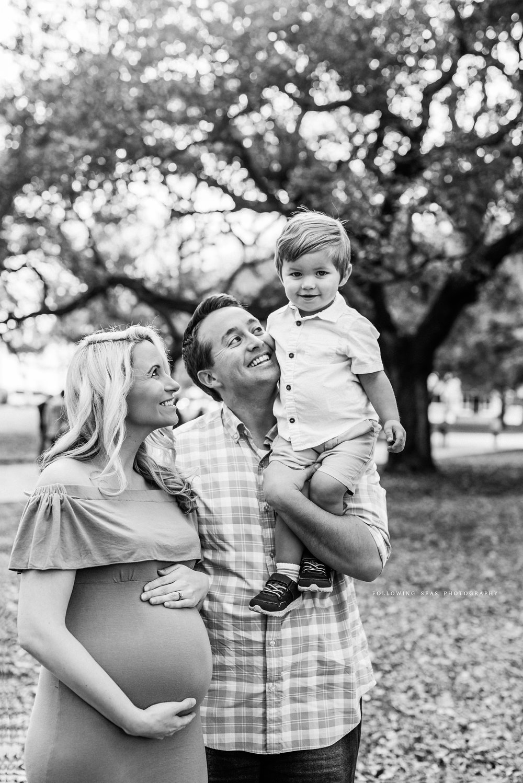 Charleston-Maternity-Photographer-Following-Seas-Photography-FSP_0083BW.jpg