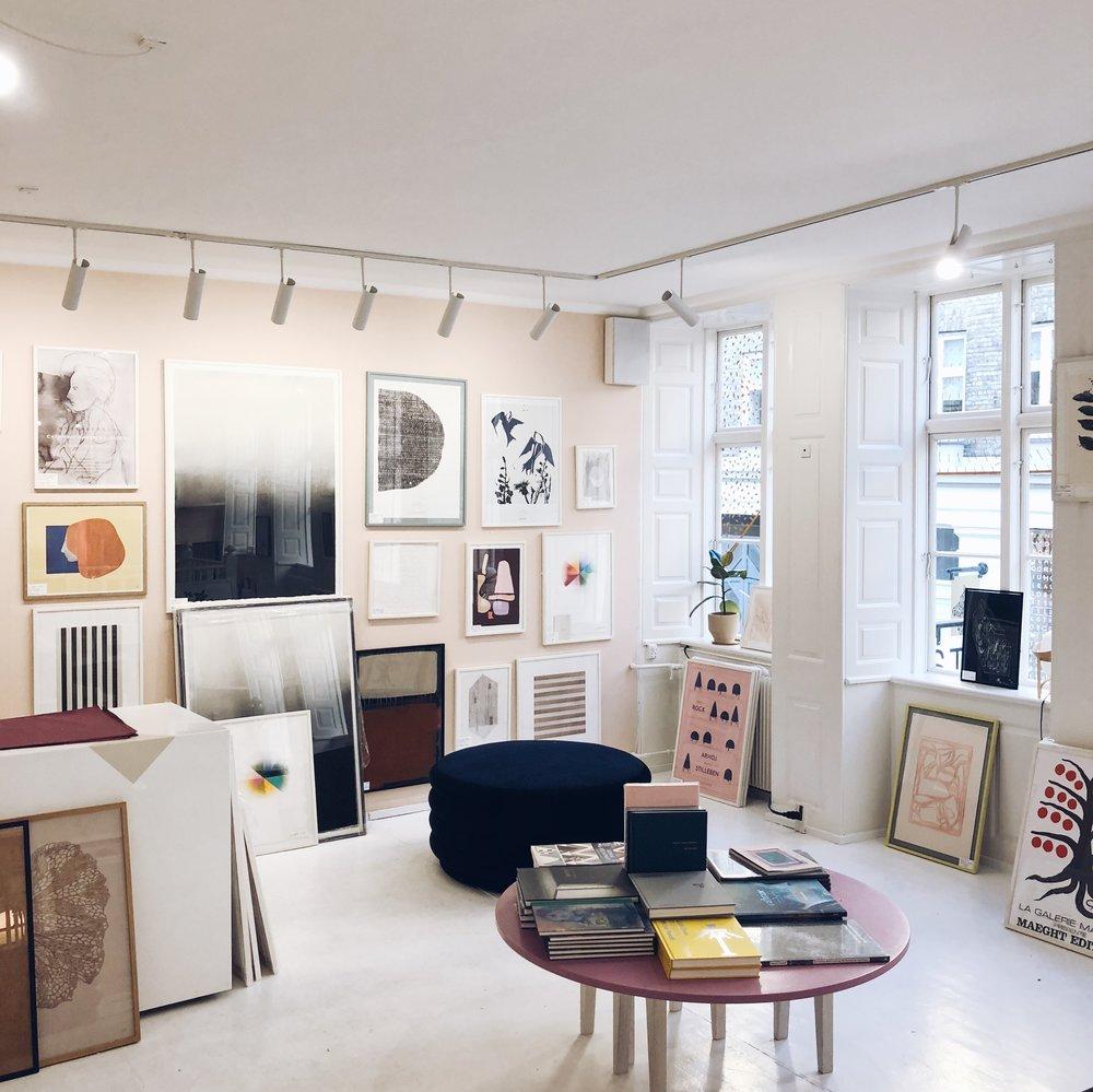 Stilleben upstairs gallery