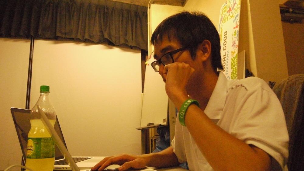 真剣なときのナムさんと、メガネを取ったときのナムさんはイケメン。