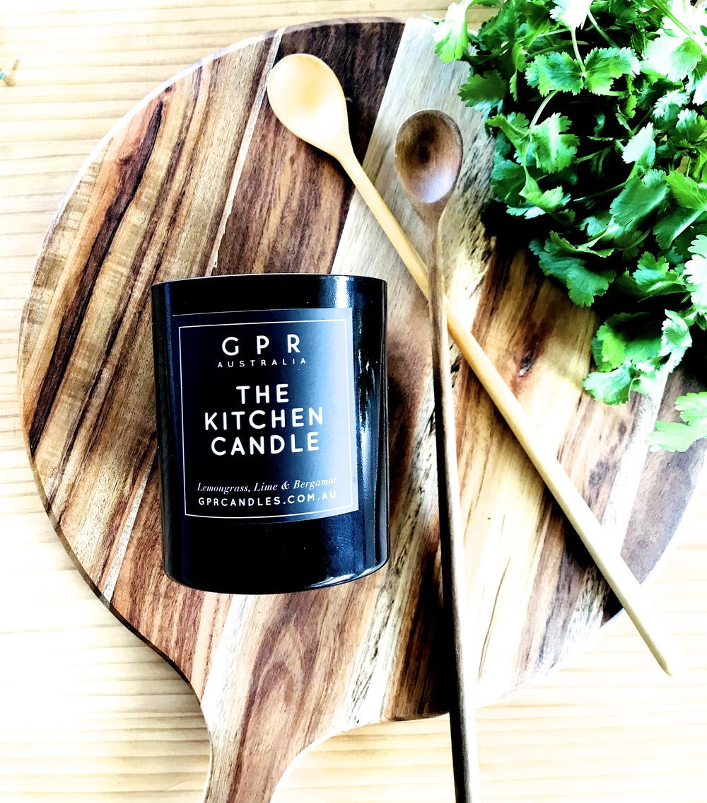 THE KITCHEN CANDLE |  The chef's companion