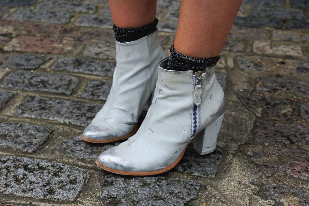 MIISTA WHITE ANKLE BOOTS