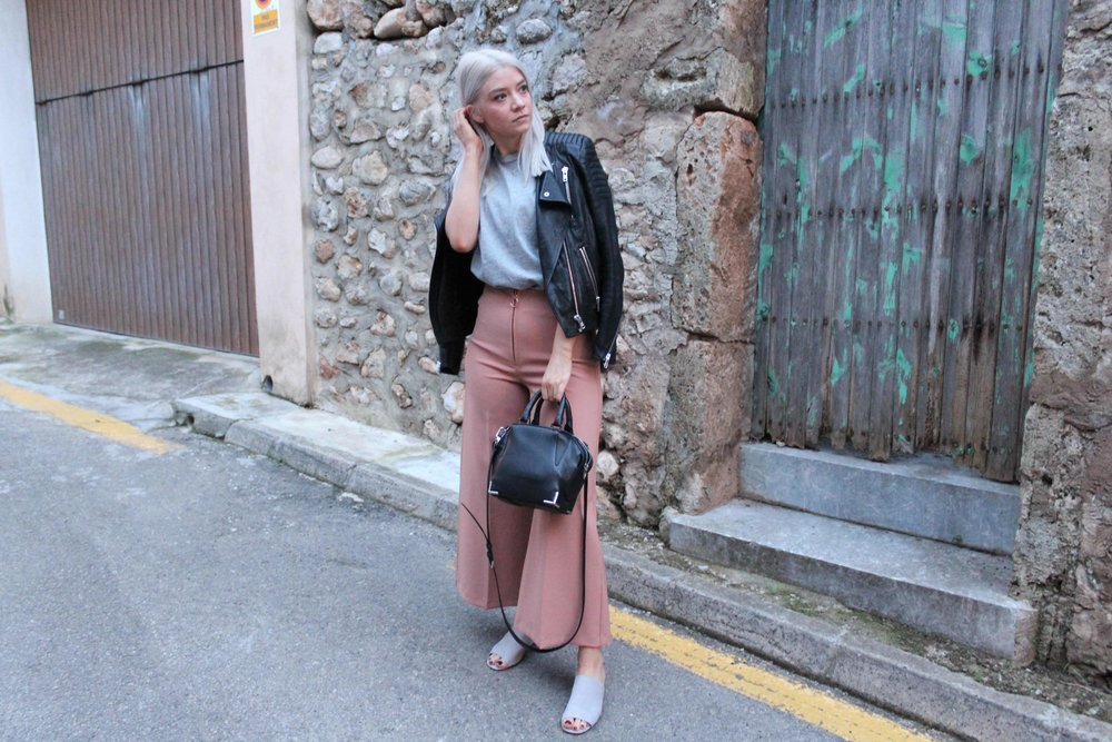 grey t-shirt, wide leg trousers, topshop mules